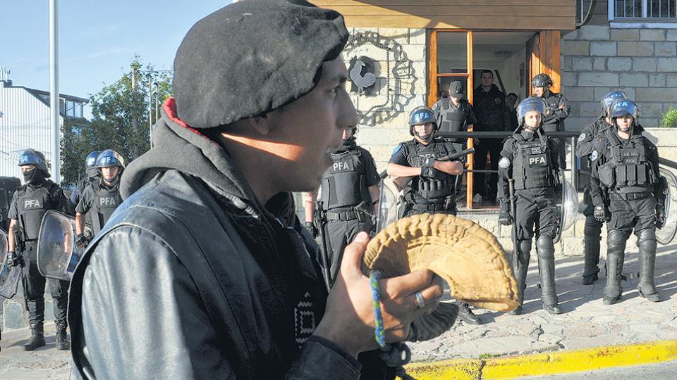Fausto Jones Huala permanece detenido, al igual que Lautaro González.