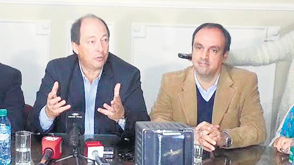 Sanz aspira a que Negri reemplace a Corral en el Comité Nacional de la UCR.