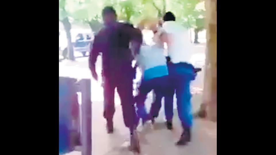 Otro abuso policial en un colegio