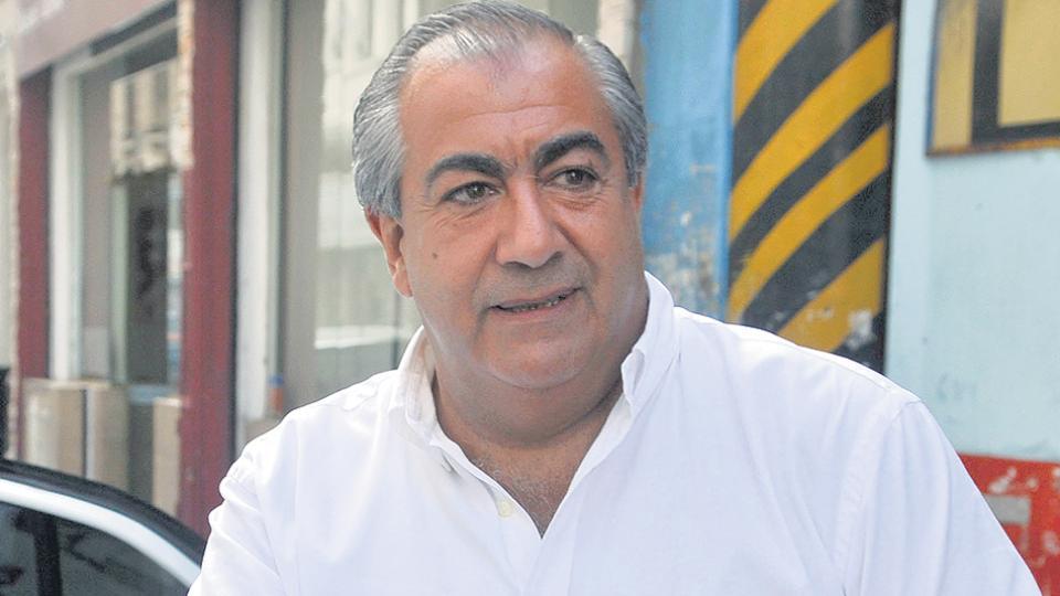 El triunviro de la CGT, Héctor Daer, antes de ingresar a la reunión.
