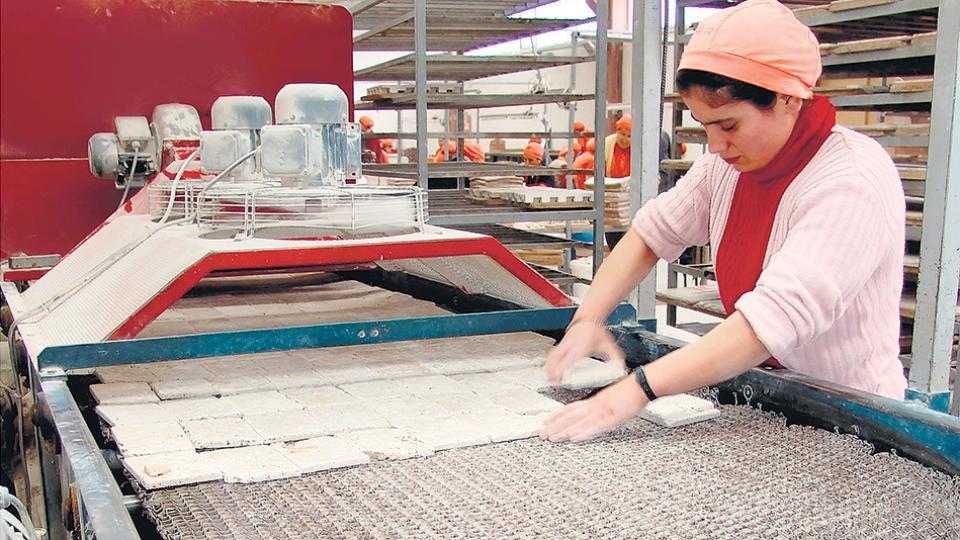 Al avance de la ley sobre los derechos del trabajador le seguirá el intento de flexibilizar los convenios sectoriales.