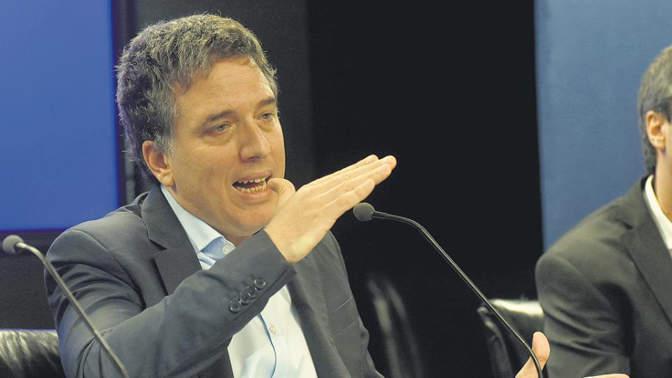 Nicolás Dujovne, ministro de Hacienda, destacó la tendencia de contracción del gasto público.