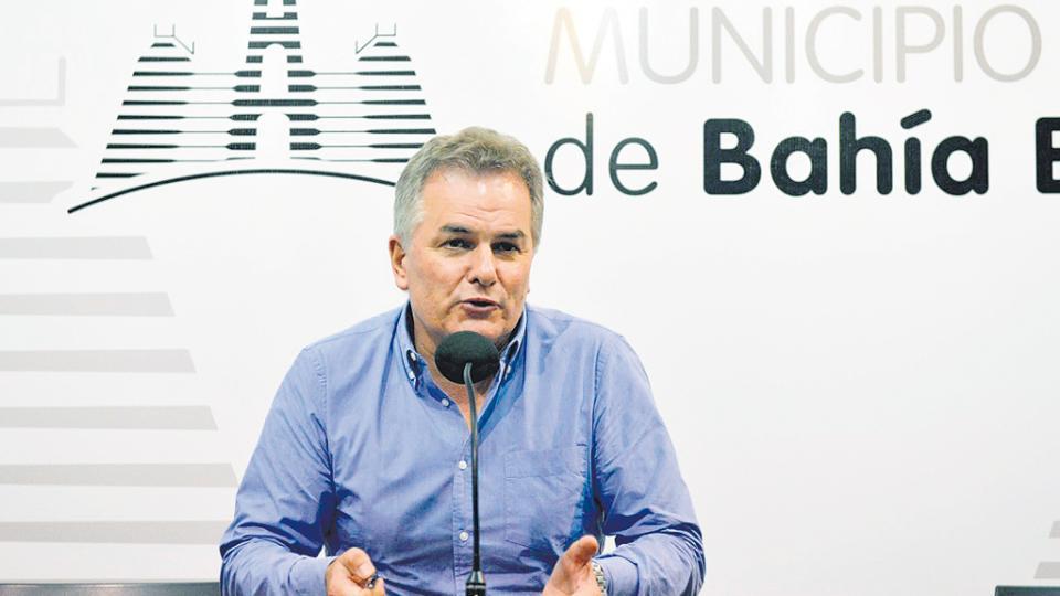 El intendente Héctor Gay.