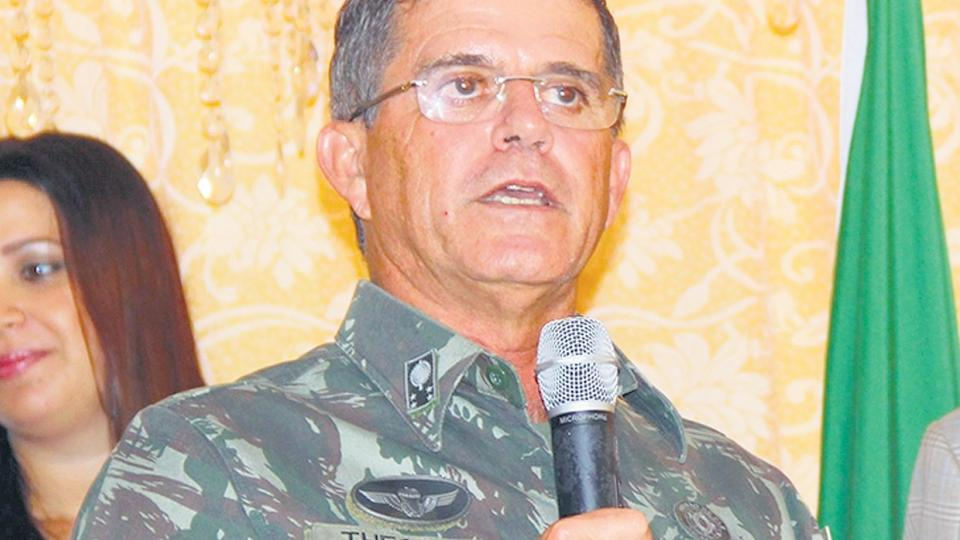 Theophilo Gaspar de Oliveira, jefe de logística del Ejército.