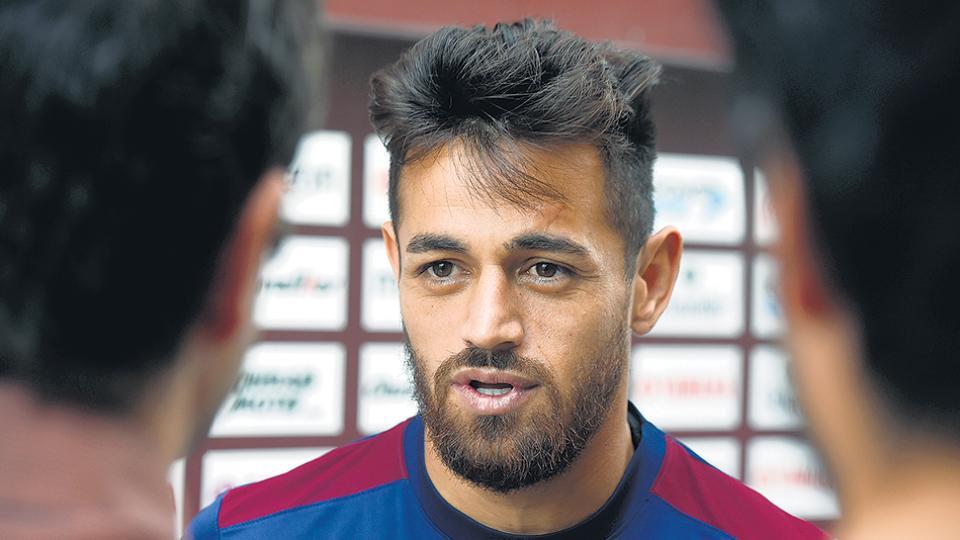 El Laucha Acosta, una de las cartas de gol del equipo de Almirón.