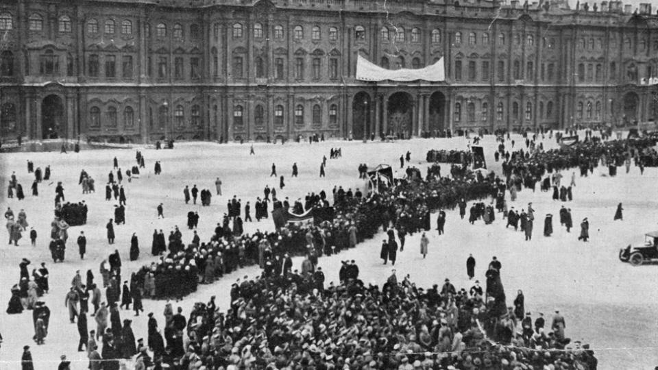 """""""El Palacio de Invierno estaba en nuestras manos e iniciábamos la nueva era"""" contó Alexander Ivanovich Timofeiev."""