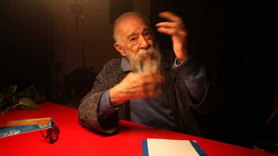 Fernando Birri, un hombre pleno de humor y de ideas y entregado, hasta el último aliento, a la esperanza y la utopía.