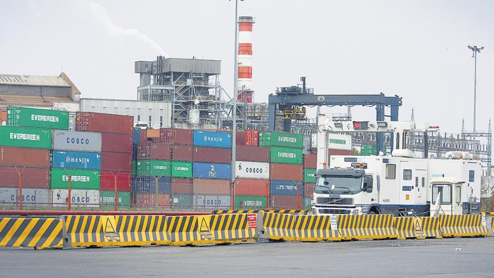 Las exportaciones suben apenas 1,2 por ciento en lo que va del año, contra un alza del 19,9 por ciento interanual en las importaciones.