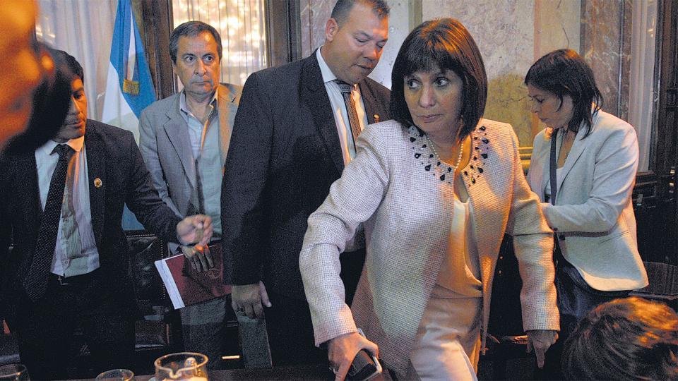 Patricia Bullrich anunció su decisión tras el asesinato de Rafael Nahuel en Río Negro.