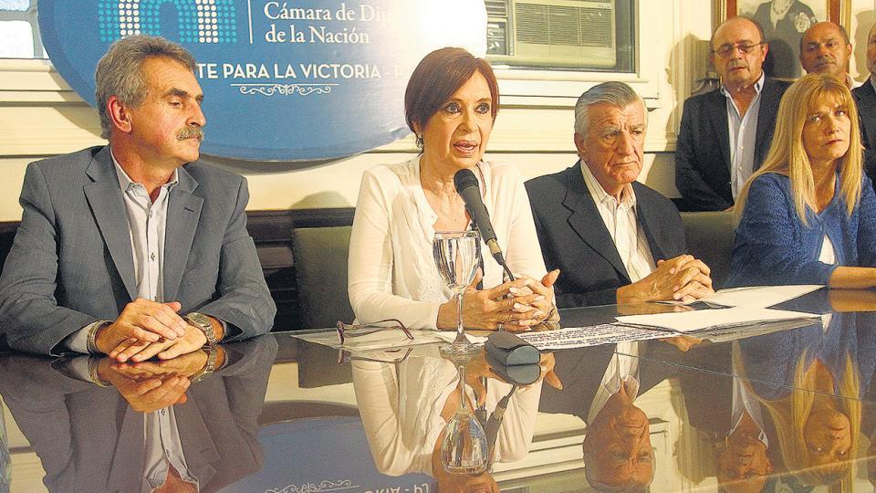 """""""No quieren nuestra voz en el Senado denunciando. No nos vamos a callar"""", dijo CFK."""
