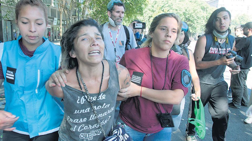 Las comisarías porteñas quedaron colapsadas ayer por la cantidad de detenidos.