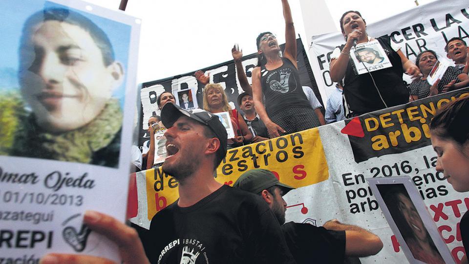"""Informe contra la Represión Policial e Institucional  """"Un muerto por día de gobierno"""""""