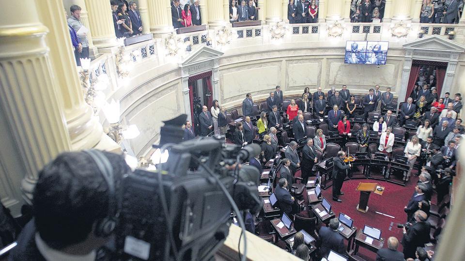 El oficialismo tendrá el martes su primera reunión de interbloque, con los nuevos senadores.