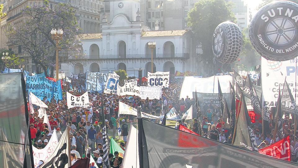 Los manifestantes se movilizaron a la Plaza del Congreso.