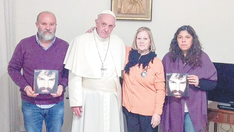 El Papa invitó a los Maldonado luego de que Santiago fuera hallado sin vida en el río Chubut.