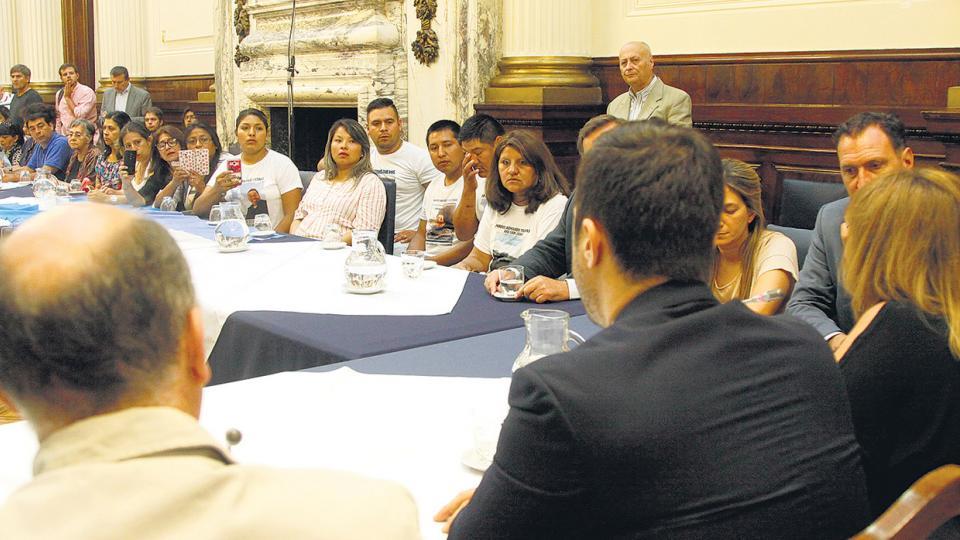 El encuentro en el Congreso fue pedido por los familiares y motorizado por el diputado Carmona.