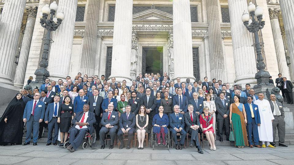 Un centenar y medio de parlamentarios de distintos paises participó ayer de un encuentro en el Senado.