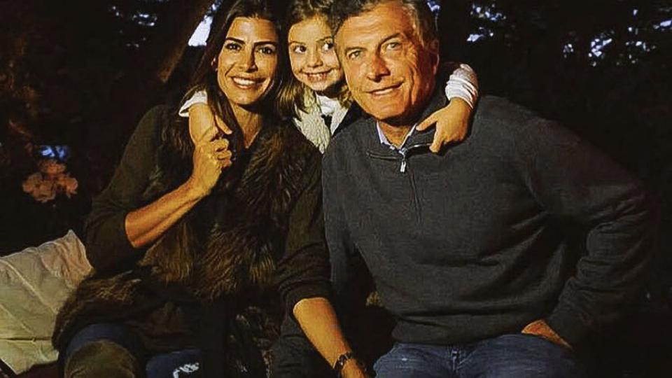 El Presidente junto a su esposa, Juliana Awada, y su hija Antonia.