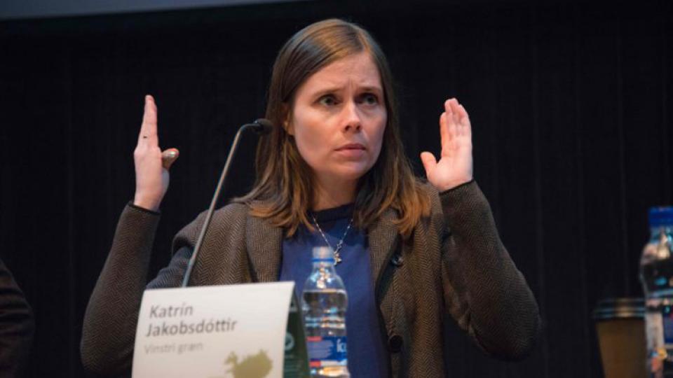 Katrin Jakobsdottir, la líder del gobierno islandés que avanza en la paridad de género a nivel salarial.
