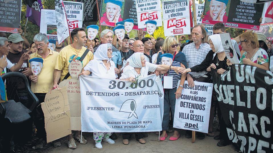 Los organismos de derechos humanos, movimientos sociales y políticos repudiaron nuevamente a Etchecolatz.