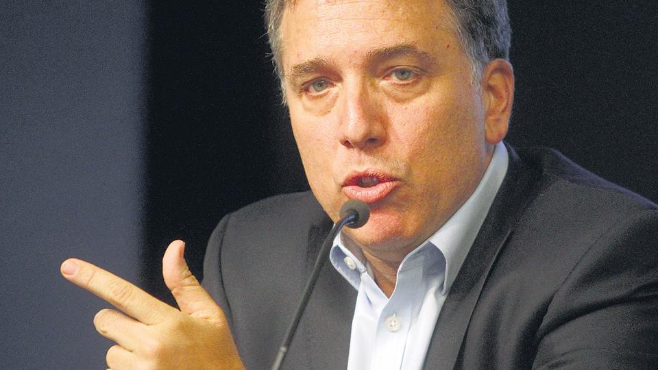 Nicolás Dujovne no se detuvo en el déficit financiero.