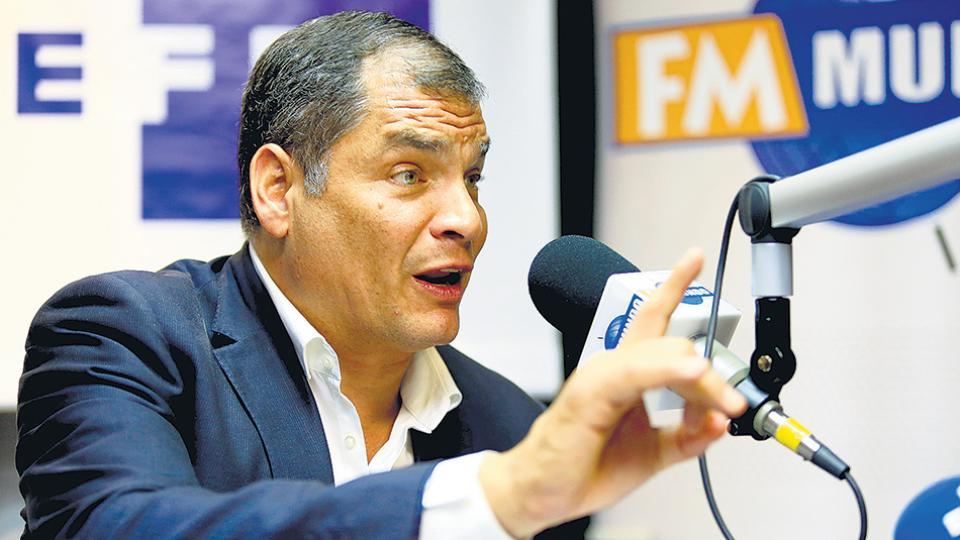 El ex presidente Rafael Correa renuncio al partido político que lo llevo a la presidencia de Ecuador