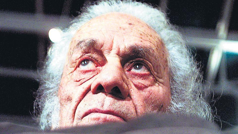 """""""Soy el fantasma de Hamlet"""", afirmaba el primer gran poeta chileno que no usó seudónimo."""