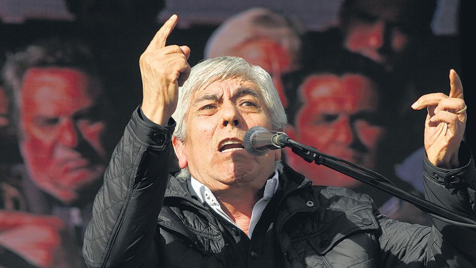 El titular de Camioneros, Hugo Moyano, será el orador principal de la marcha.