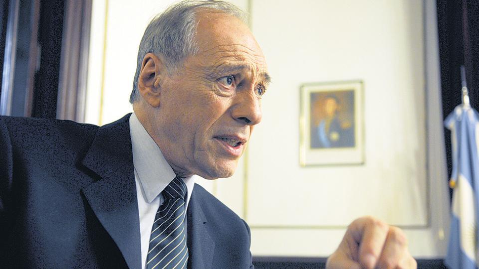 Raúl Zaffaroni, preocupado por la situación social.