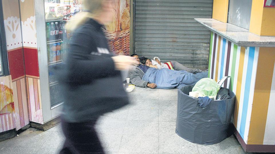 En la Comuna 1 se registran, en simultáneo, los mayores niveles de viviendas desocupadas y los mayores niveles de hacinamiento.