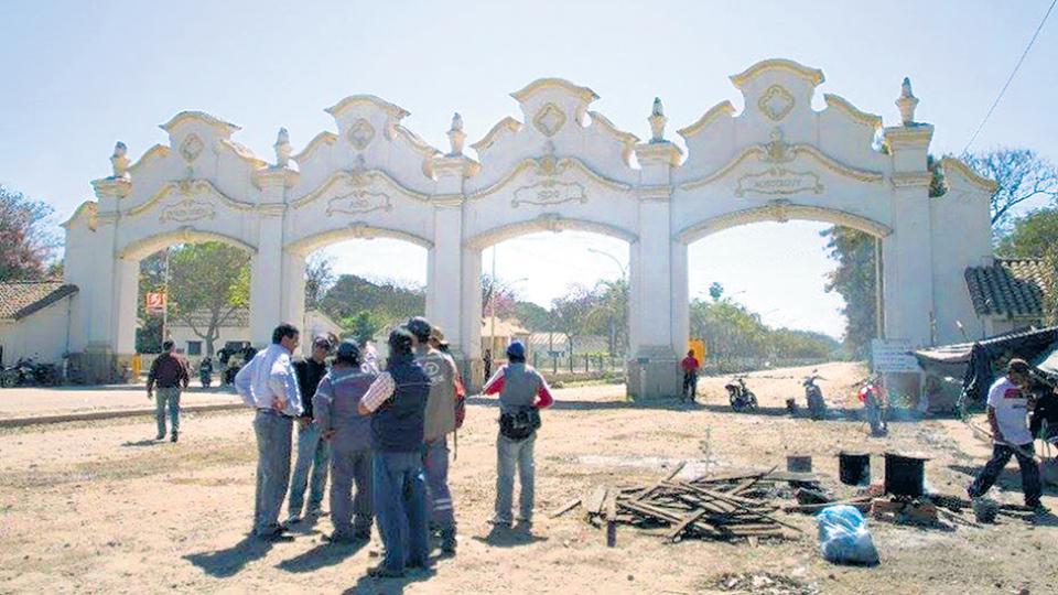 Los trabajadores del Ingenio San Martín, de El Tabacal, realizaron un corte de ruta y fueron reprimidos.