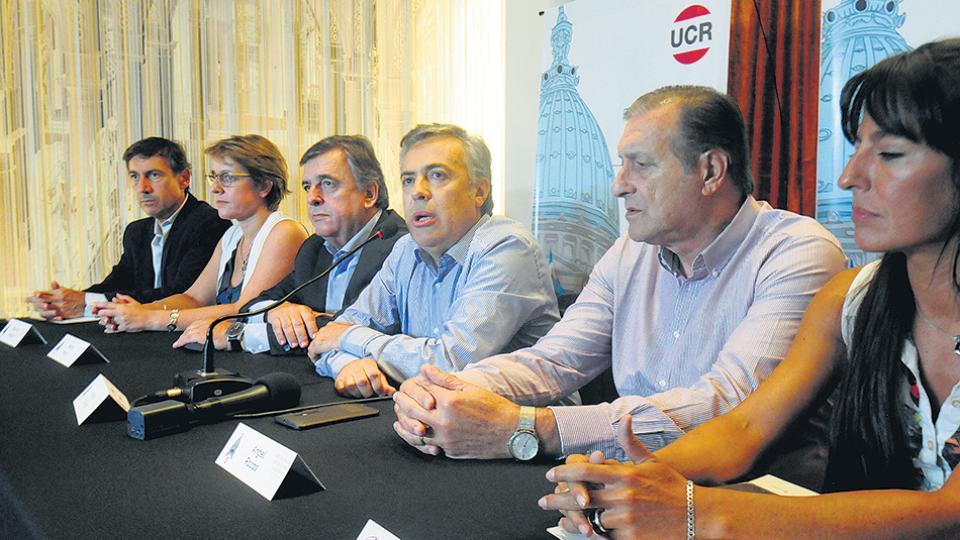 """La UCR reafirma su acompañamiento a Cambiemos pero le exige """"mostrar más resultados""""."""