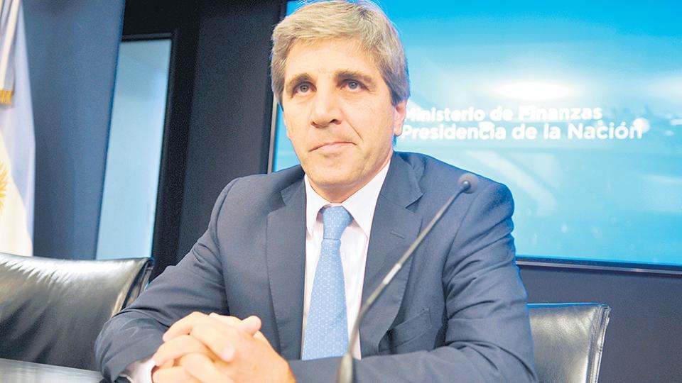 El ministro de Finanzas, Luis Caputo, es el arquitecto del endeudamiento.