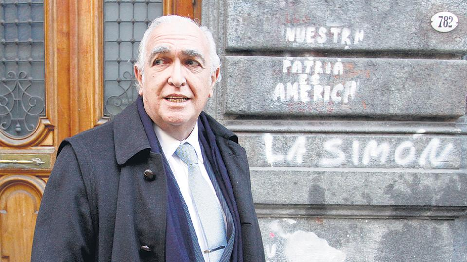 Gil Lavedra coordina el programa Justicia 2020 y comparte estudio jurídico con el asesor presidencial Ernesto Sanz.