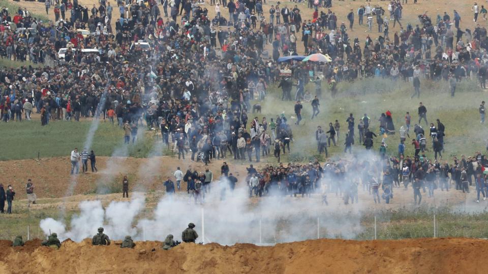 EL EJÉRCITO DE ISRAEL REPRIMIÓ Y MATÓ AL MENOS 15 PALESTINOS E HIRIÓ A UNOS 2.000.