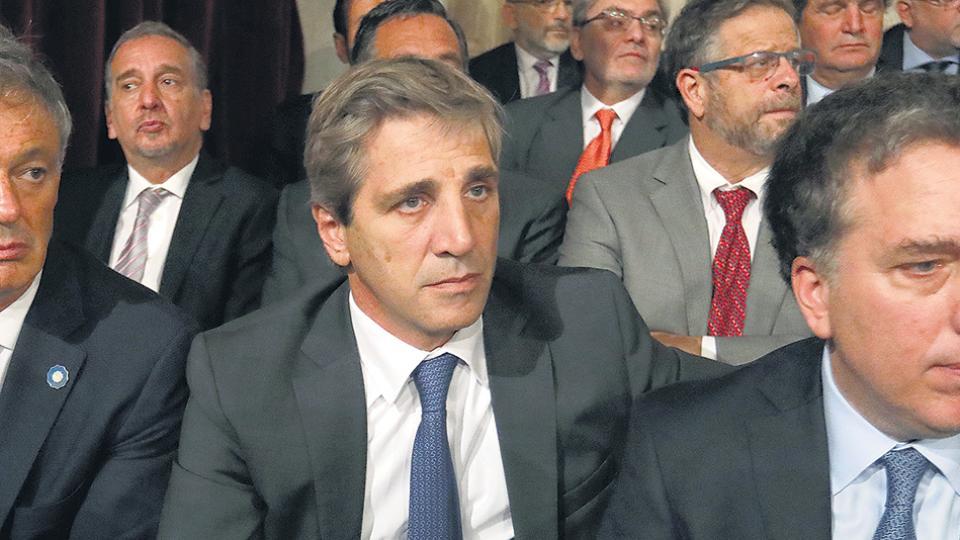 El ministro de Finanzas, Luis Caputo, mintió sobre su participación en la empresa Noctua.
