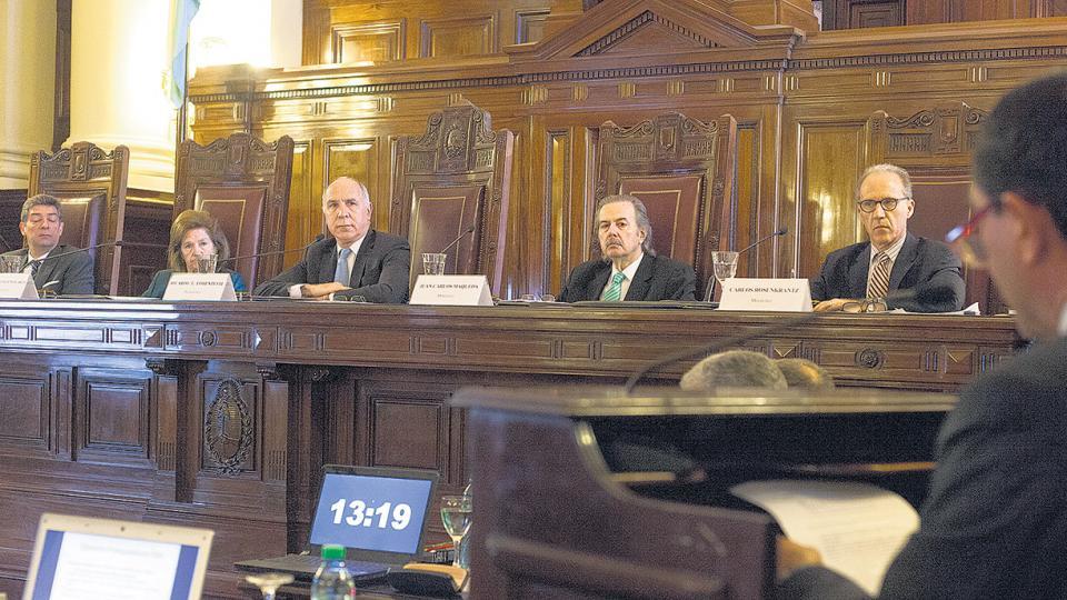 La Corte Suprema de Justicia ordenó realizar un nuevo sorteo para determinar qué tribunal juzgará a Cristina Kirchner.
