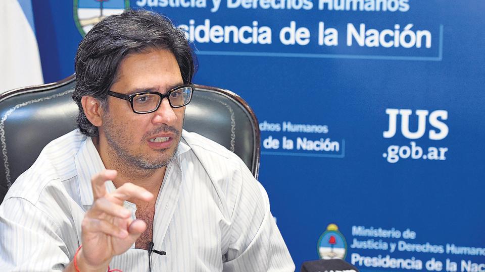 El ministro de Justicia, Germán Garavano, firmó el decreto para la reforma.