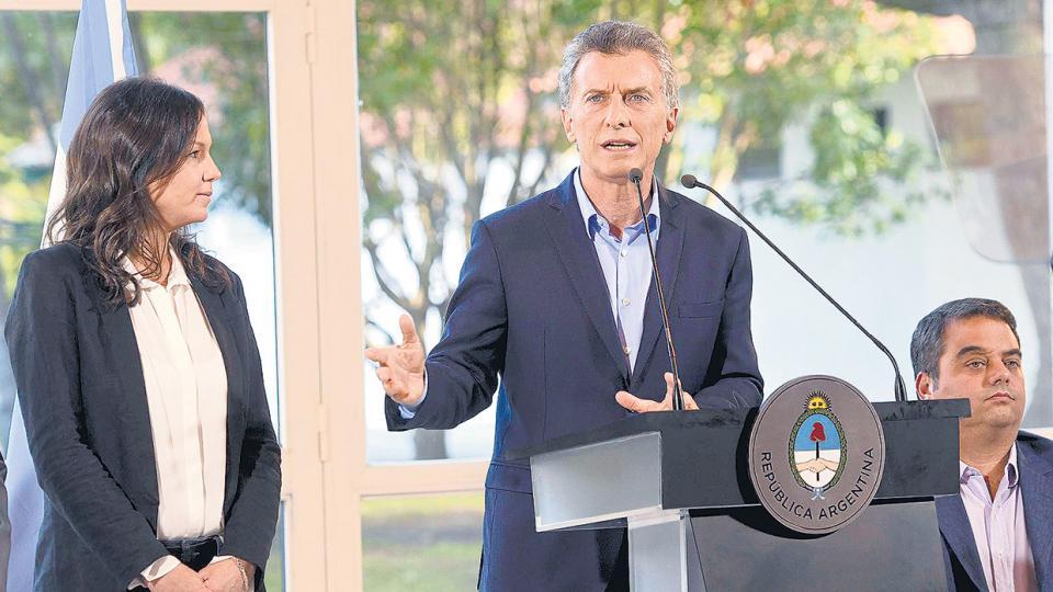 Mauricio Macri celebró los resultados junto a Carolina Stanley (Desarrollo Social) y Jorge Triaca (Trabajo).