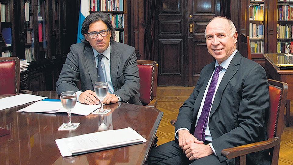 En medio de la tensión en Justicia y Gobierno, Ricardo Lorenzetti se reunió ayer con el ministro Garavano.