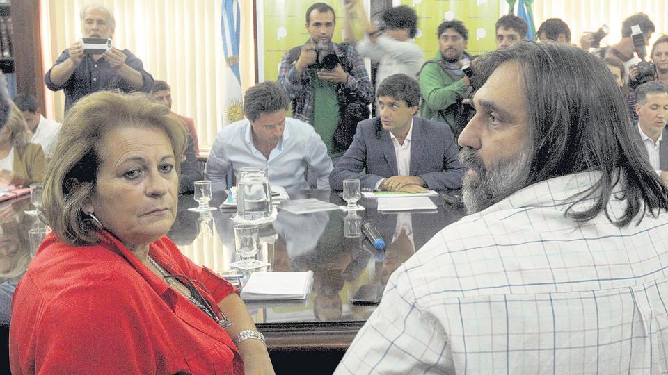 Los gremios acusaron a la gobernación de repetir su propuesta.