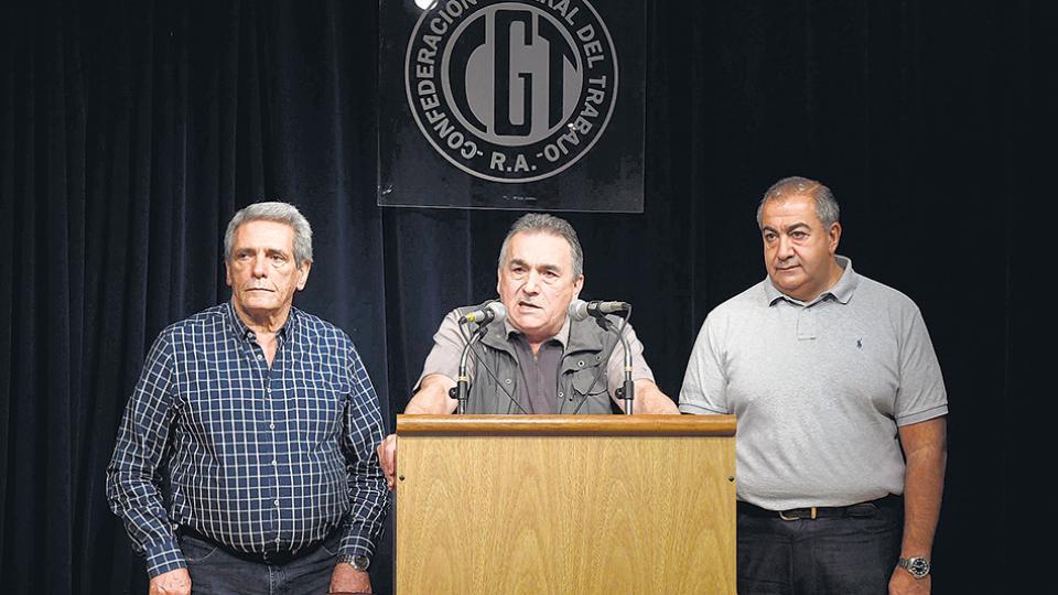 El triunvirato formado por Daer, Schmid y Acuña ya no tiene consenso.