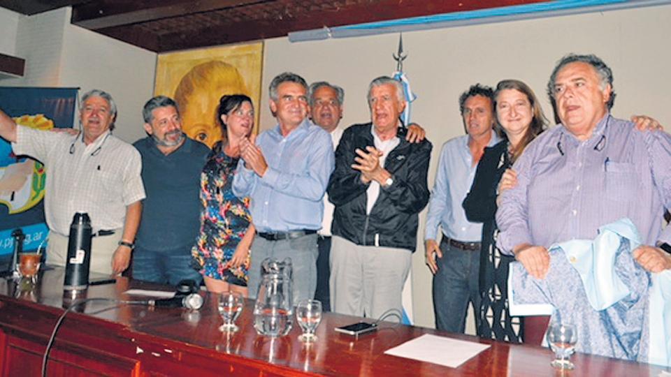 Rossi, Gioja, Santa María, Muiños, Katopodis y Valdés, entre otros, en la sede del PJ.
