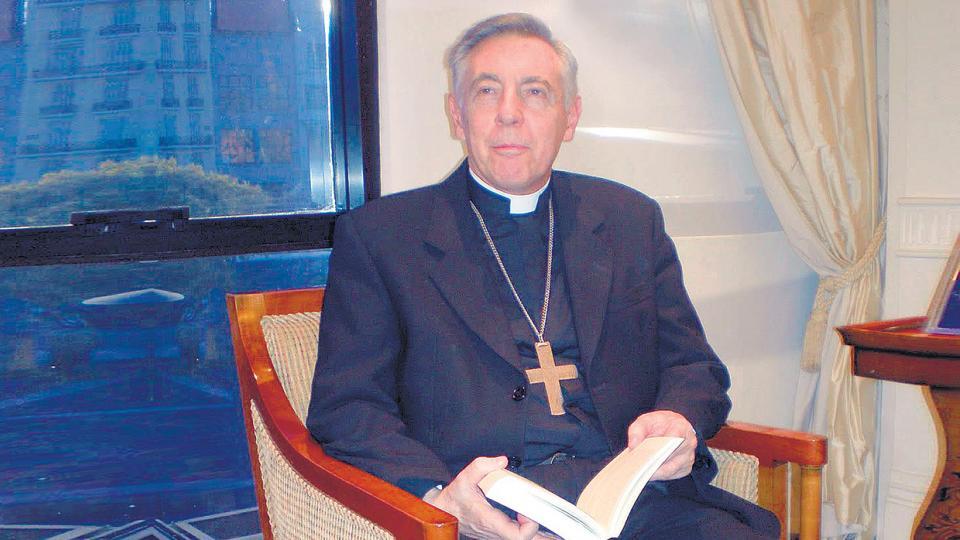 Aguer era el único religioso convocado por la entidad profesional.