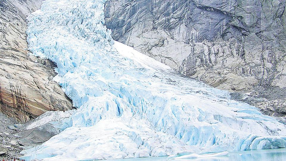 """Según la ley 26.639, """"los glaciares son bienes de carácter público""""."""