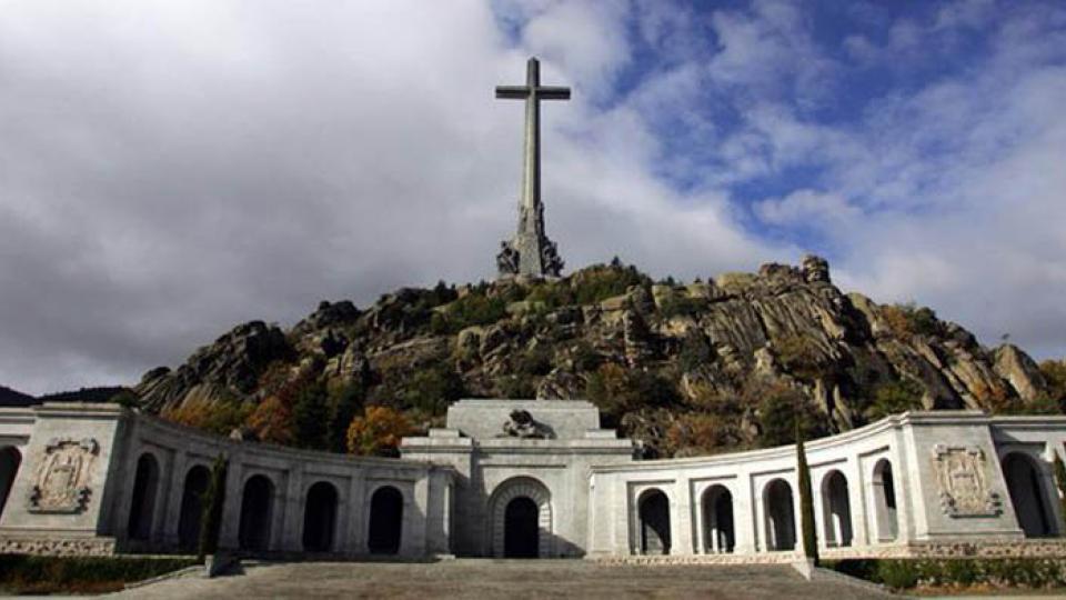 El Valle de los Caídos, el mausoleo erigido por Franco tras su victoria militar.