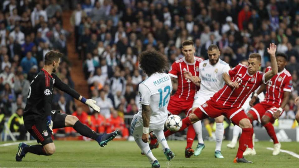 El estadio Santiago Bernabéu presencio un partido de enorme intensidad.
