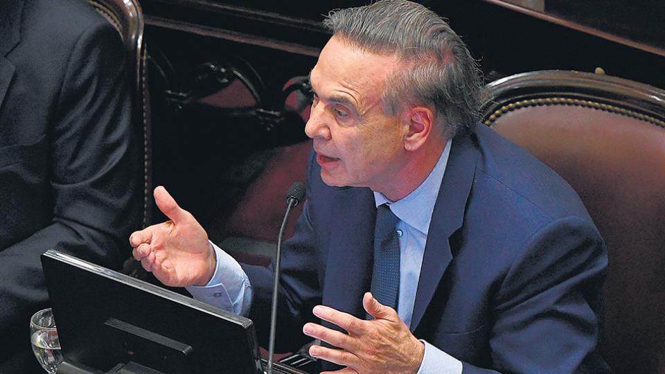El jefe del principal bloque de senadores de la oposición, Miguel Angel Pichetto.