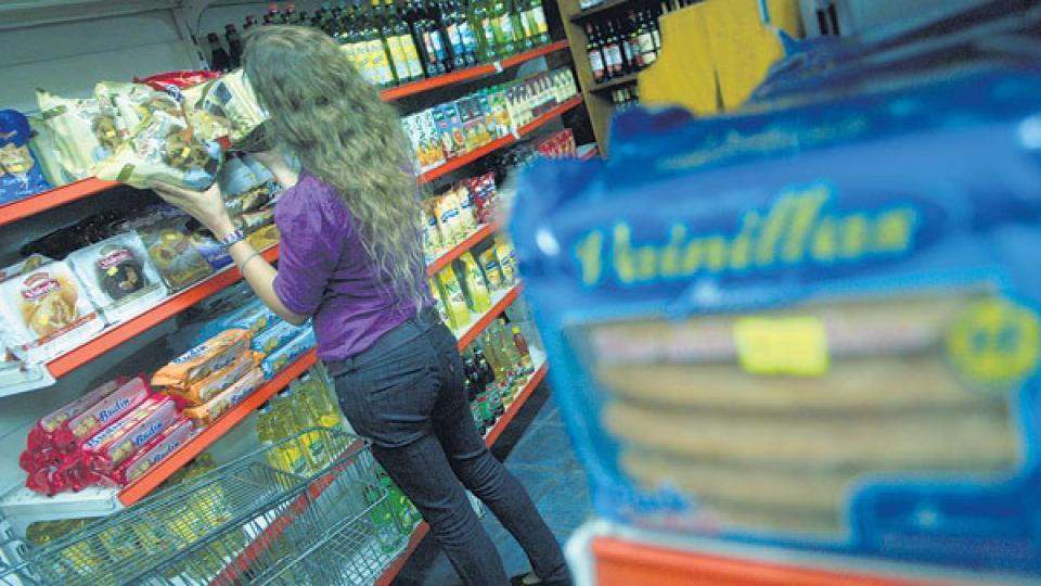 Los precios en góndola tuvieron importantes subas en las últimas tres semanas en las principales cadenas de hipermercados. Alimentos, los más sensibles.