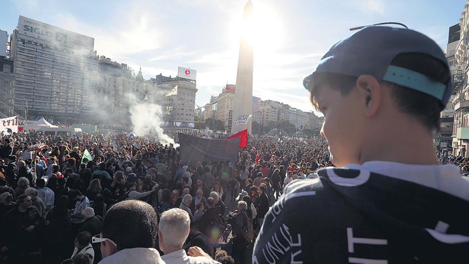 El Obelisco se convirtió en el centro de la fiesta en defensa de la Patria y la soberanía nacional.